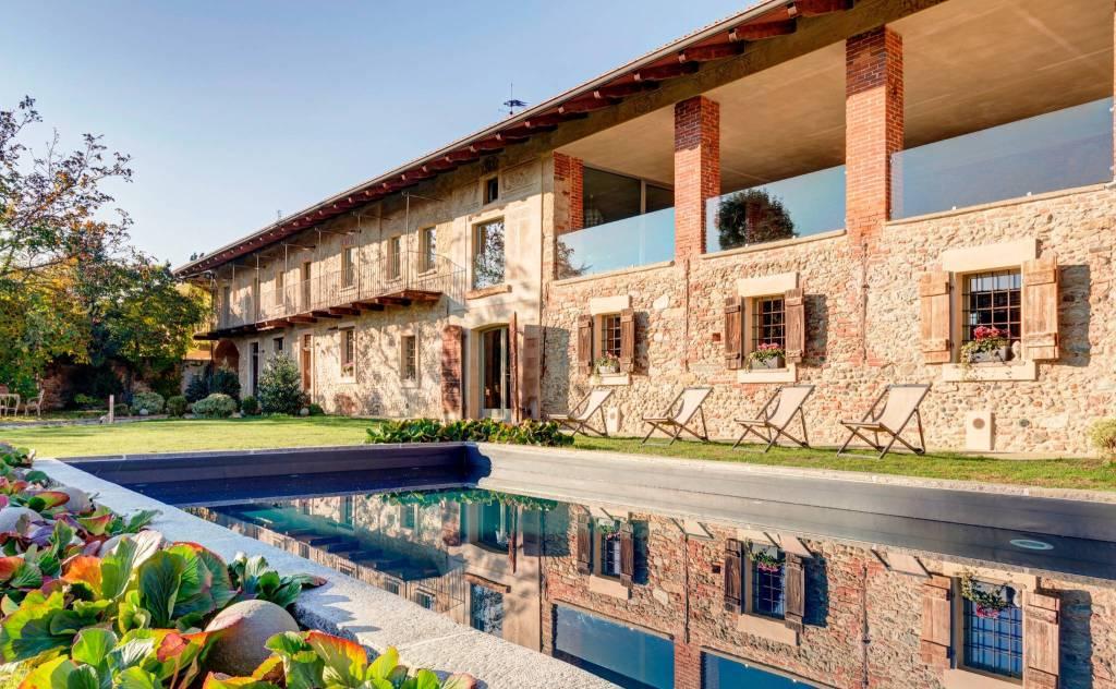 Rustico / Casale in vendita a Cavour, 11 locali, prezzo € 649.000 | PortaleAgenzieImmobiliari.it