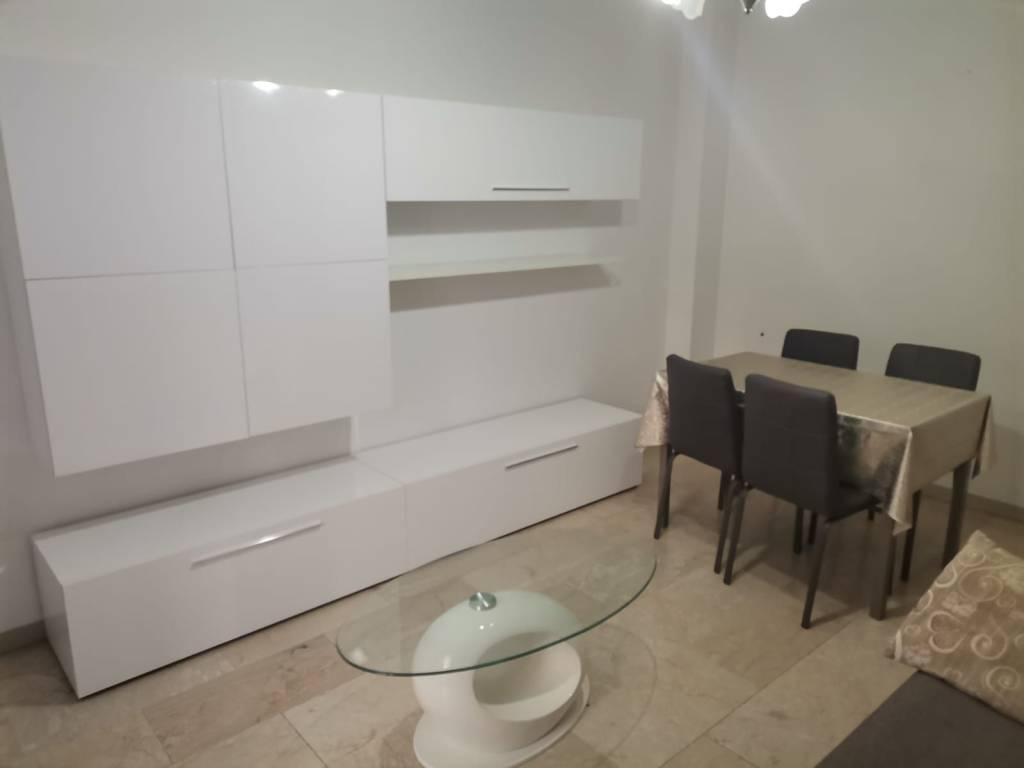 Appartamento in affitto a Alba, 3 locali, prezzo € 400 | CambioCasa.it