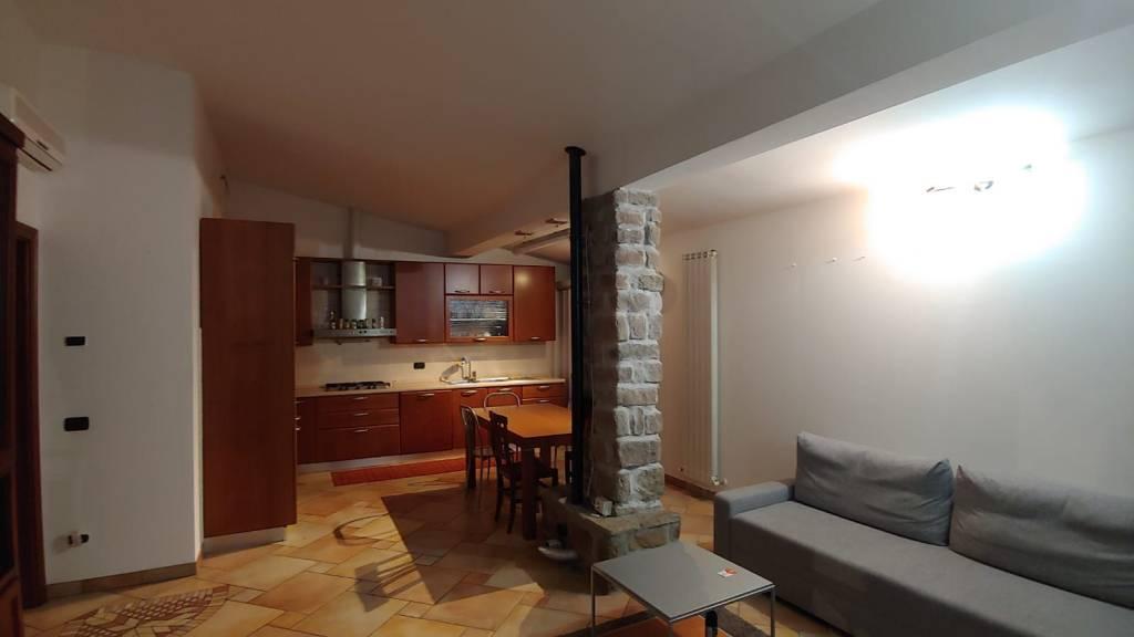 Appartamento in Affitto a Podenzano Periferia: 3 locali, 110 mq