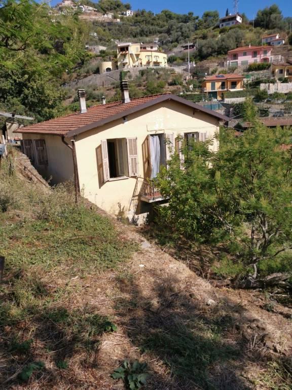 Villa in vendita a Soldano, 4 locali, prezzo € 129.000   CambioCasa.it