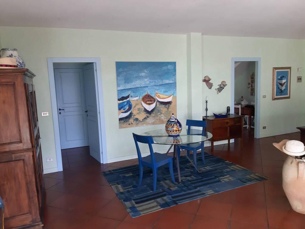 Appartamento in vendita a Diano Castello, 4 locali, prezzo € 298.000 | CambioCasa.it