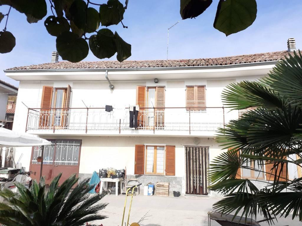 Rustico / Casale in vendita a San Damiano d'Asti, 5 locali, prezzo € 128.000   PortaleAgenzieImmobiliari.it
