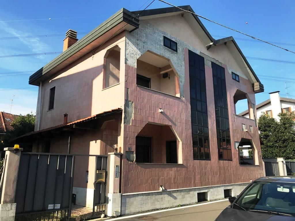 Villa in vendita a Settimo Milanese, 5 locali, prezzo € 570.000 | PortaleAgenzieImmobiliari.it
