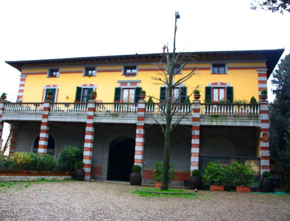 Appartamento in vendita a Rufina, 7 locali, prezzo € 335.000 | CambioCasa.it