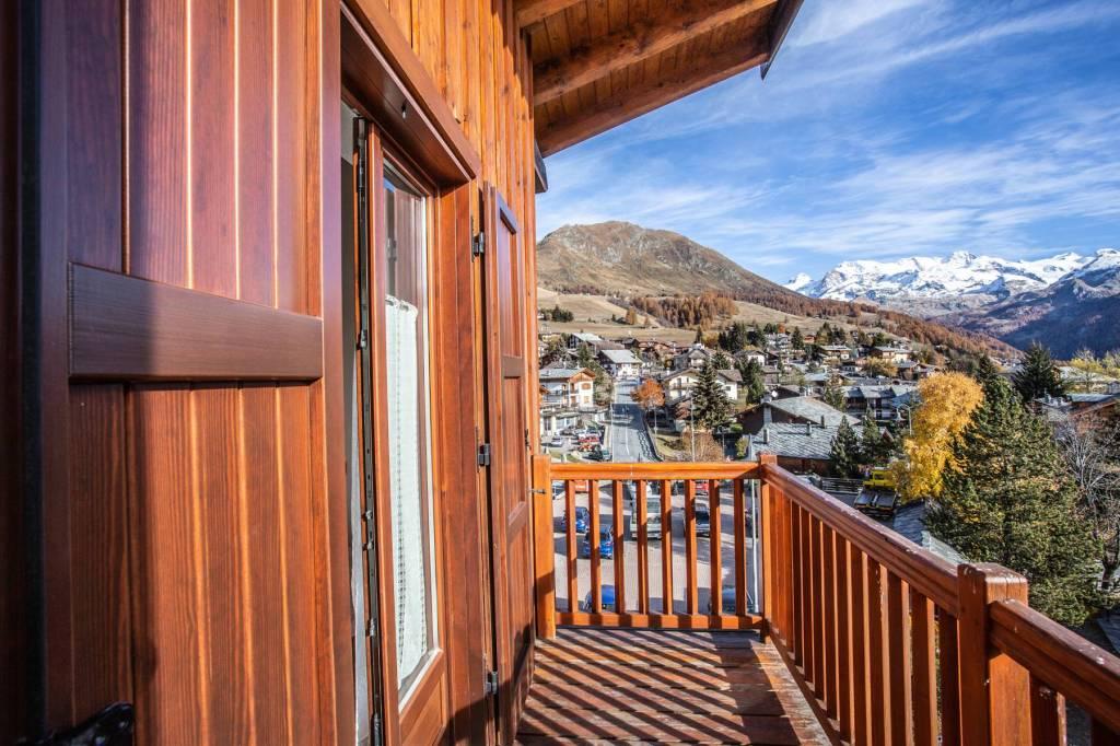Appartamento in Vendita a Ayas Centro: 3 locali, 80 mq