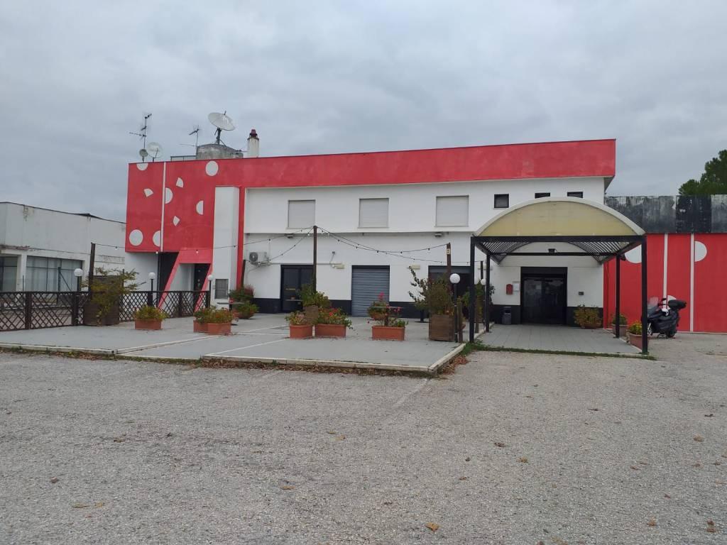 Negozio / Locale in vendita a Spoleto, 9999 locali, prezzo € 720.000   PortaleAgenzieImmobiliari.it
