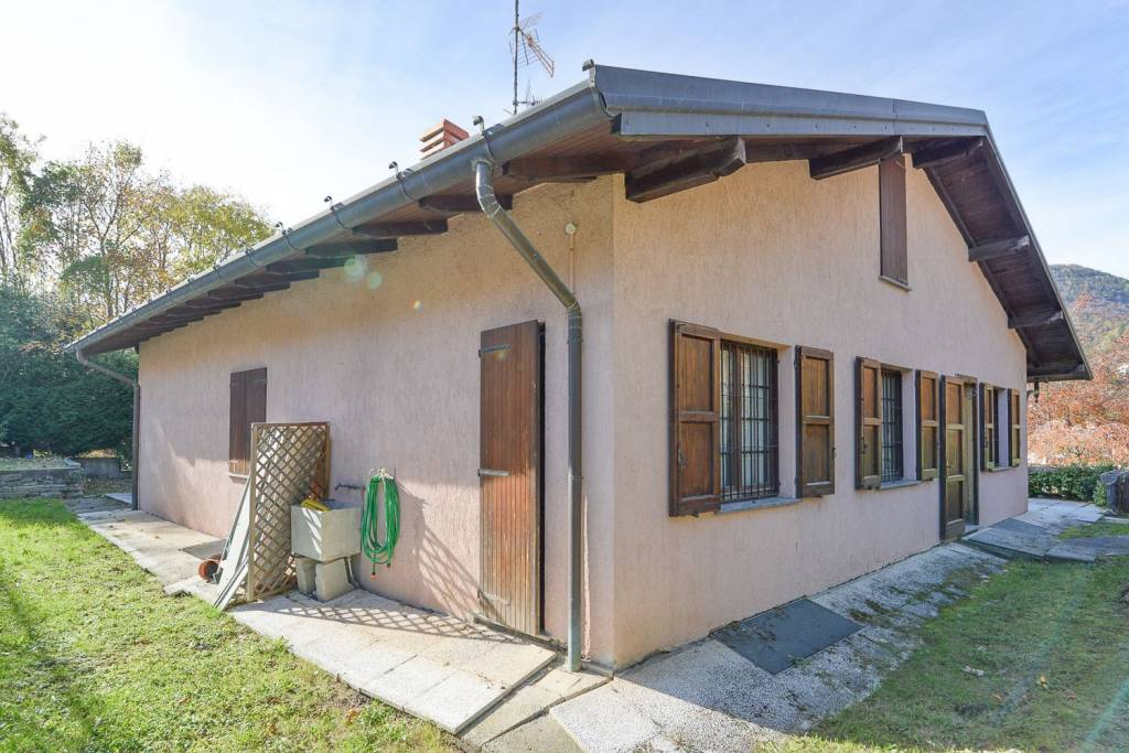 Villa in vendita a Magreglio, 4 locali, prezzo € 239.000 | PortaleAgenzieImmobiliari.it