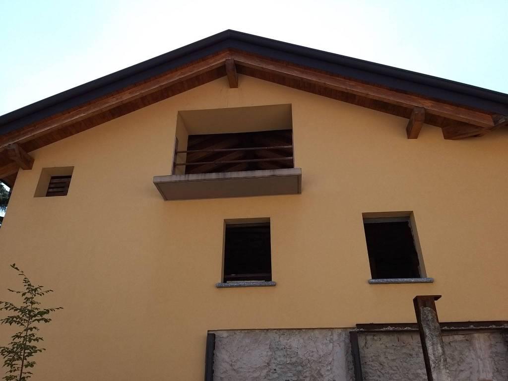 Negozio / Locale in vendita a Erba, 6 locali, Trattative riservate | CambioCasa.it