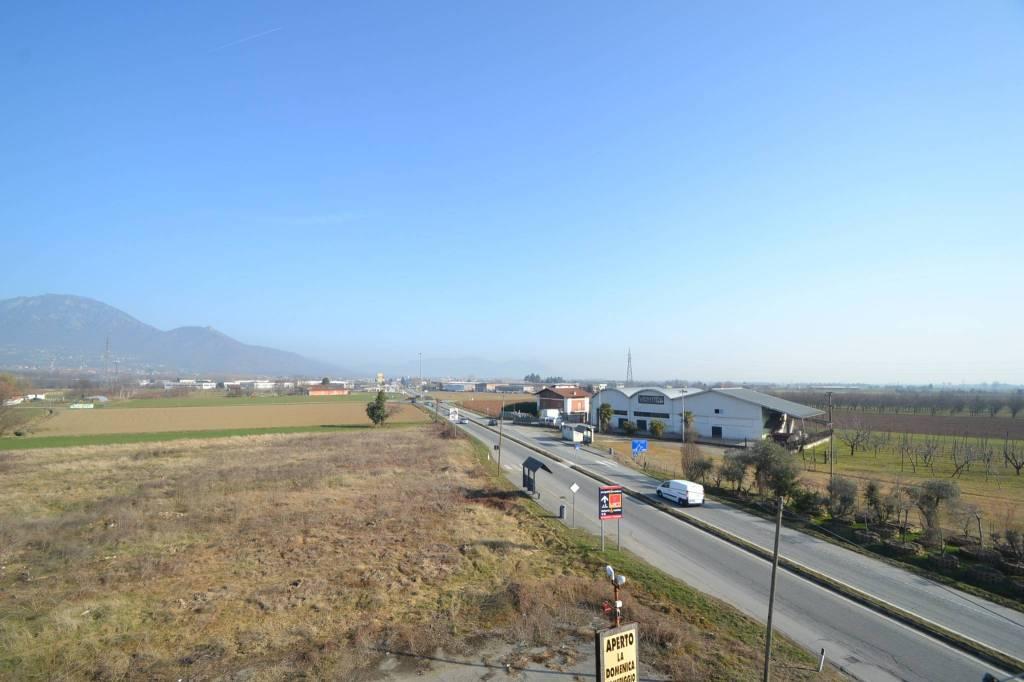 Foto 1 di Trilocale via Pinerolo, Roletto
