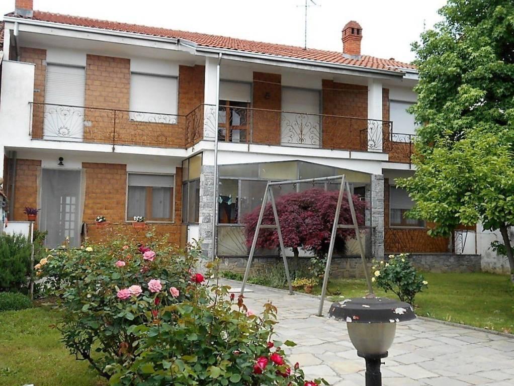 Foto 1 di Villa via Cesare Battisti 30, Livorno Ferraris
