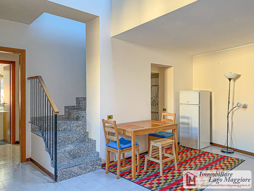 Appartamento in vendita a Laveno-Mombello, 3 locali, prezzo € 120.000 | PortaleAgenzieImmobiliari.it