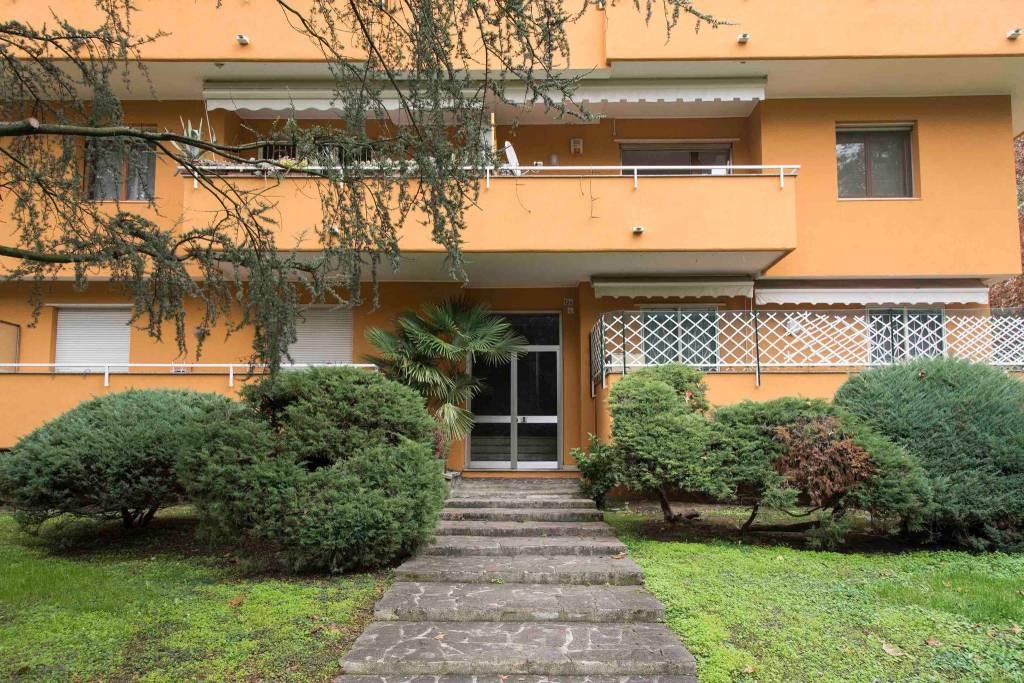 Appartamento in vendita a Peschiera Borromeo, 5 locali, prezzo € 450.000   CambioCasa.it