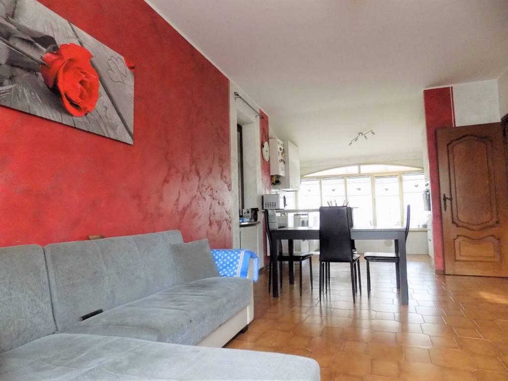 Appartamento in buone condizioni in affitto Rif. 8732990