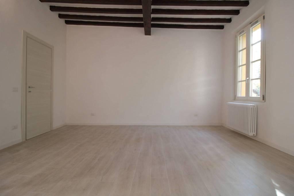 Appartamento in Vendita a Parma Centro: 3 locali, 85 mq