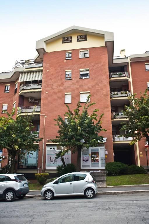 Ufficio / Studio in vendita a Albano Laziale, 3 locali, prezzo € 170.000 | CambioCasa.it