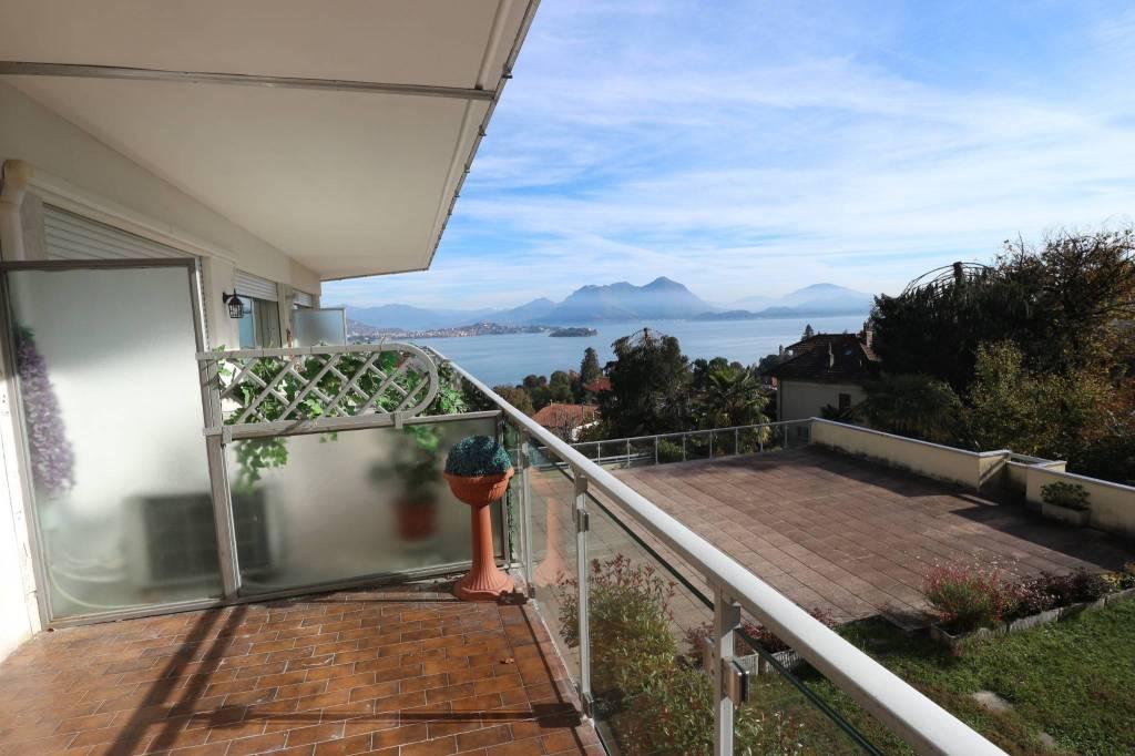 Appartamento in vendita a Baveno, 3 locali, prezzo € 185.000 | CambioCasa.it