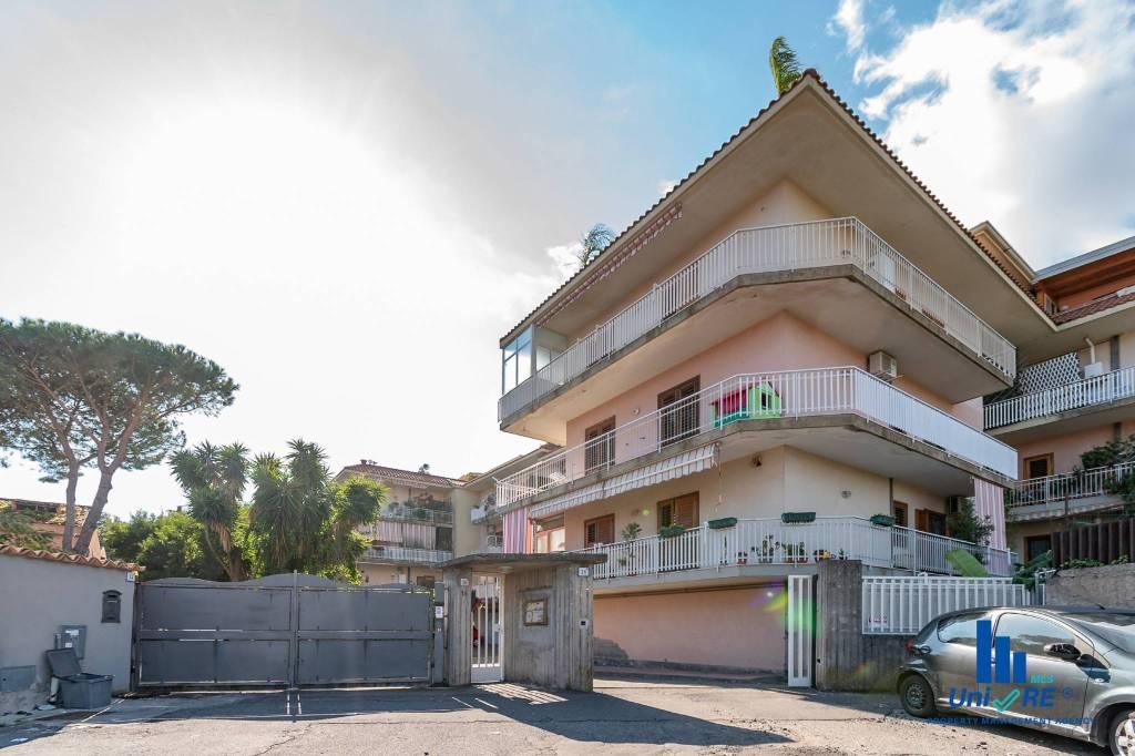 Appartamento in Vendita a Aci Catena Centro: 3 locali, 80 mq