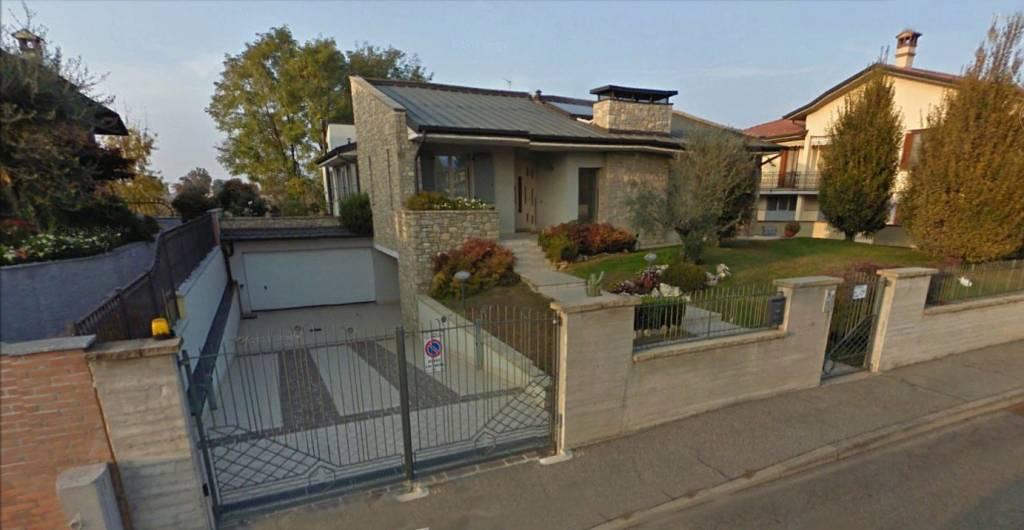 Villa in vendita a Soresina, 8 locali, prezzo € 547.905 | PortaleAgenzieImmobiliari.it
