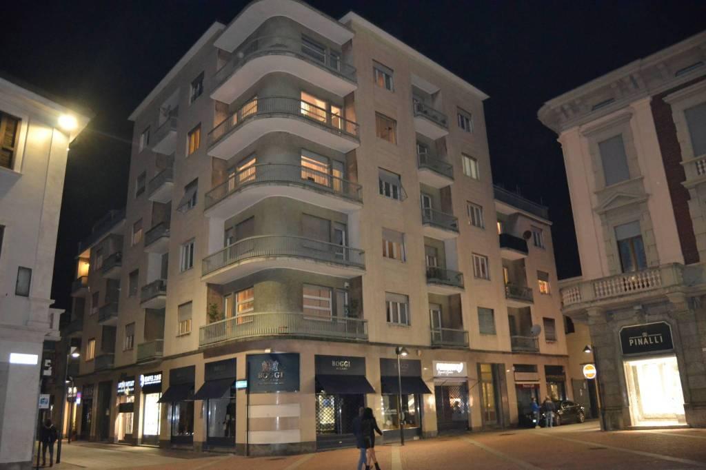 Appartamento in affitto a Seregno, 4 locali, prezzo € 850 | CambioCasa.it