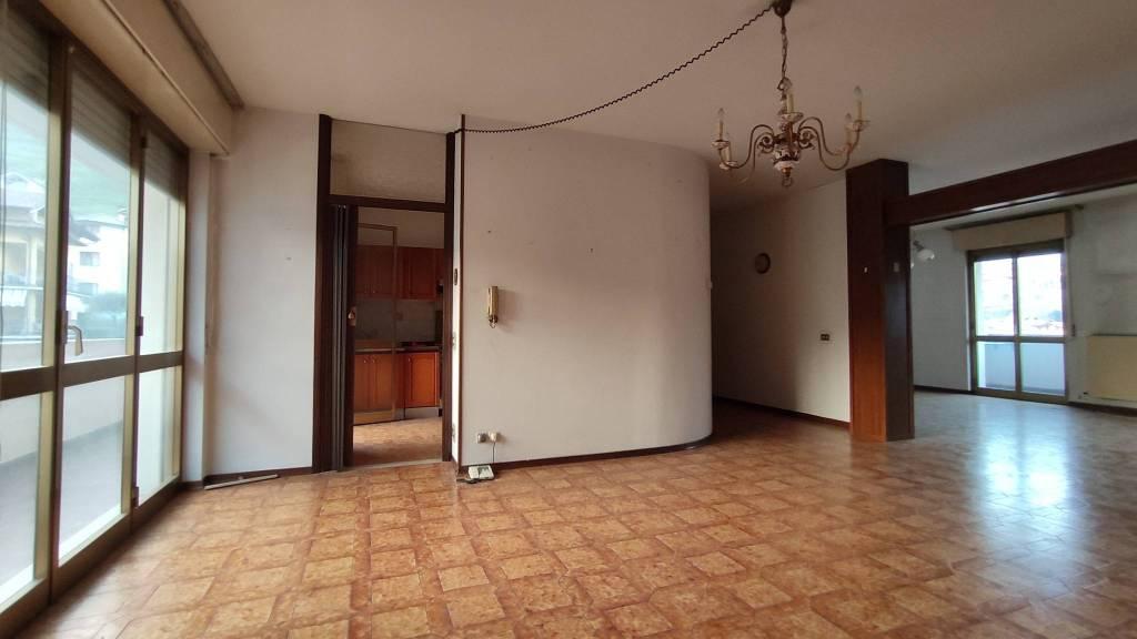 Appartamento in vendita a Vertova, 4 locali, prezzo € 125.000 | PortaleAgenzieImmobiliari.it