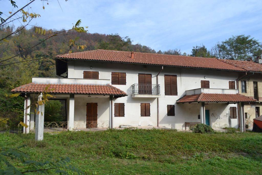 Rustico / Casale in vendita a Casalborgone, 7 locali, prezzo € 95.000 | PortaleAgenzieImmobiliari.it