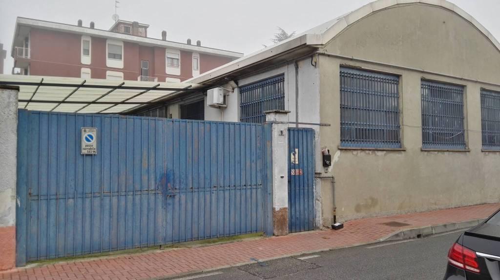Capannone in affitto a Buccinasco, 9999 locali, prezzo € 2.500 | PortaleAgenzieImmobiliari.it