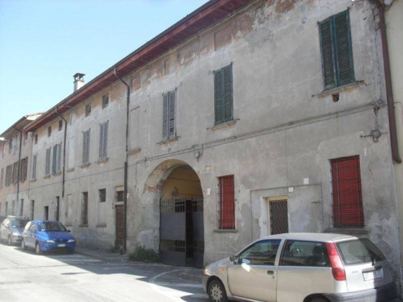 Palazzo / Stabile in vendita a Casalmorano, 6 locali, prezzo € 430.000 | CambioCasa.it