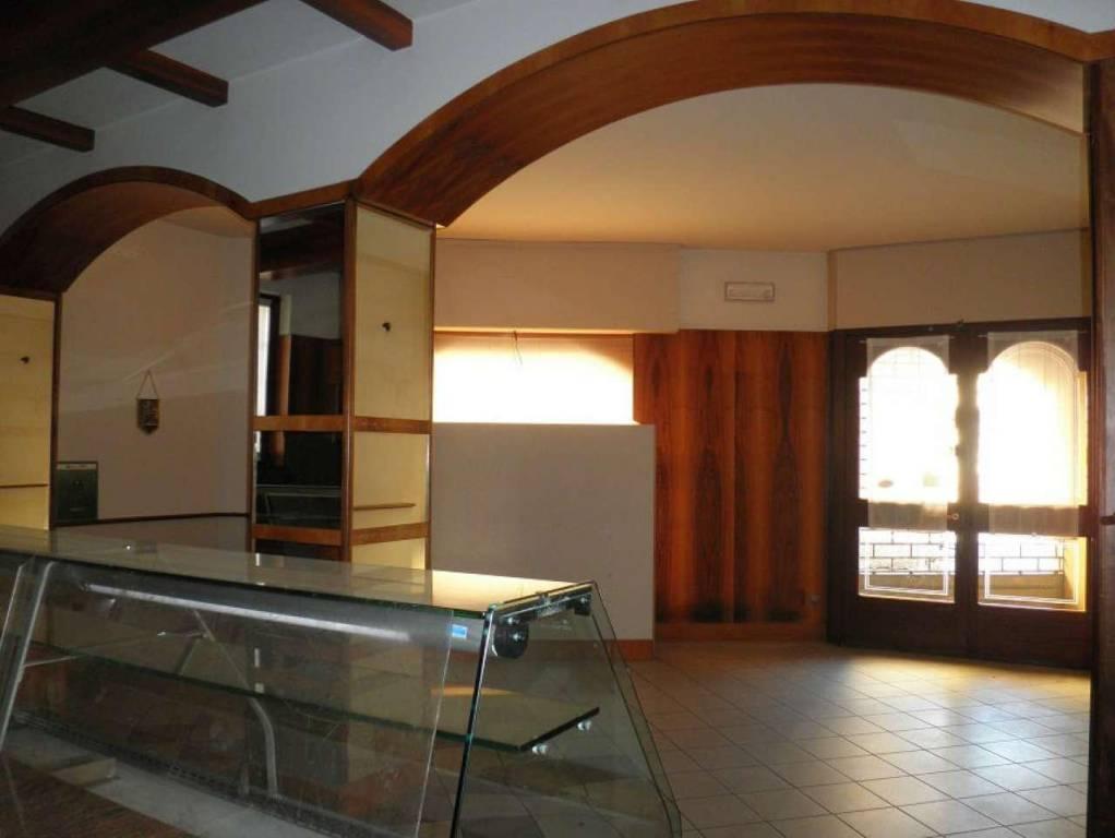 Negozio / Locale in affitto a Soresina, 2 locali, prezzo € 500 | CambioCasa.it