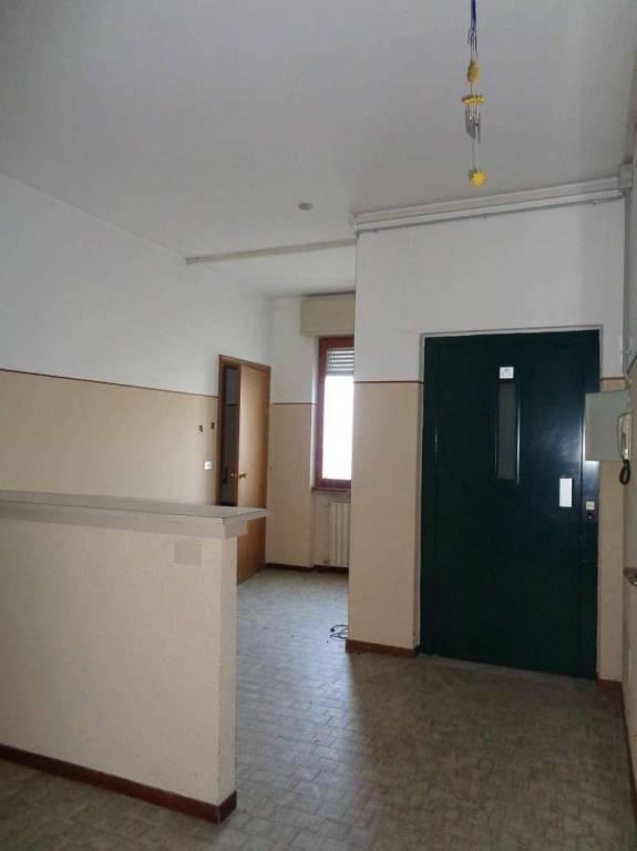 Ufficio / Studio in vendita a Soresina, 6 locali, prezzo € 500.000   CambioCasa.it