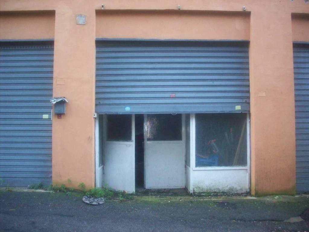 Magazzino in affitto a Ariccia, 9999 locali, prezzo € 950 | CambioCasa.it