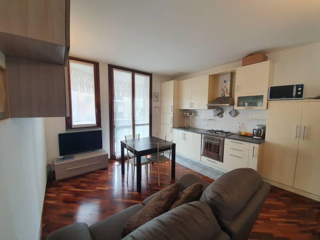 Appartamento in vendita a Gallarate, 2 locali, prezzo € 89.000 | CambioCasa.it