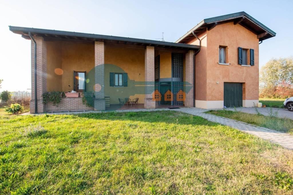 Villa in vendita a Manerbio, 6 locali, prezzo € 360.000 | PortaleAgenzieImmobiliari.it
