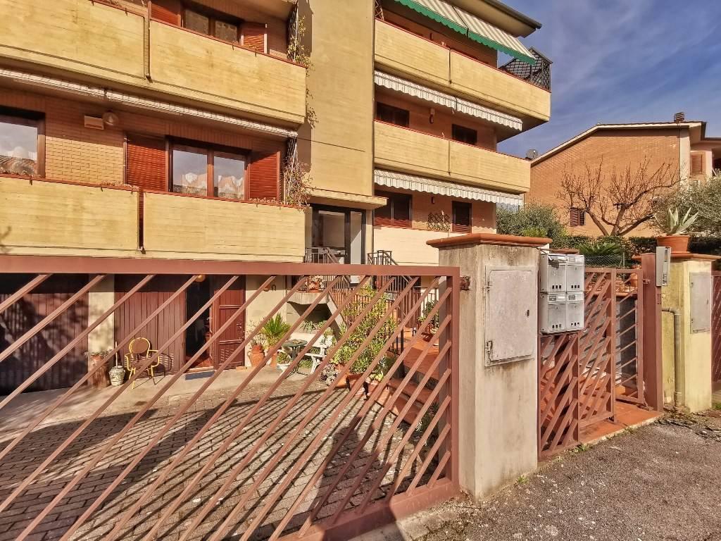 Appartamento in vendita a Calenzano, 6 locali, prezzo € 365.000 | PortaleAgenzieImmobiliari.it