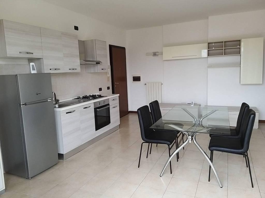 Appartamento in Vendita a Montano Lucino