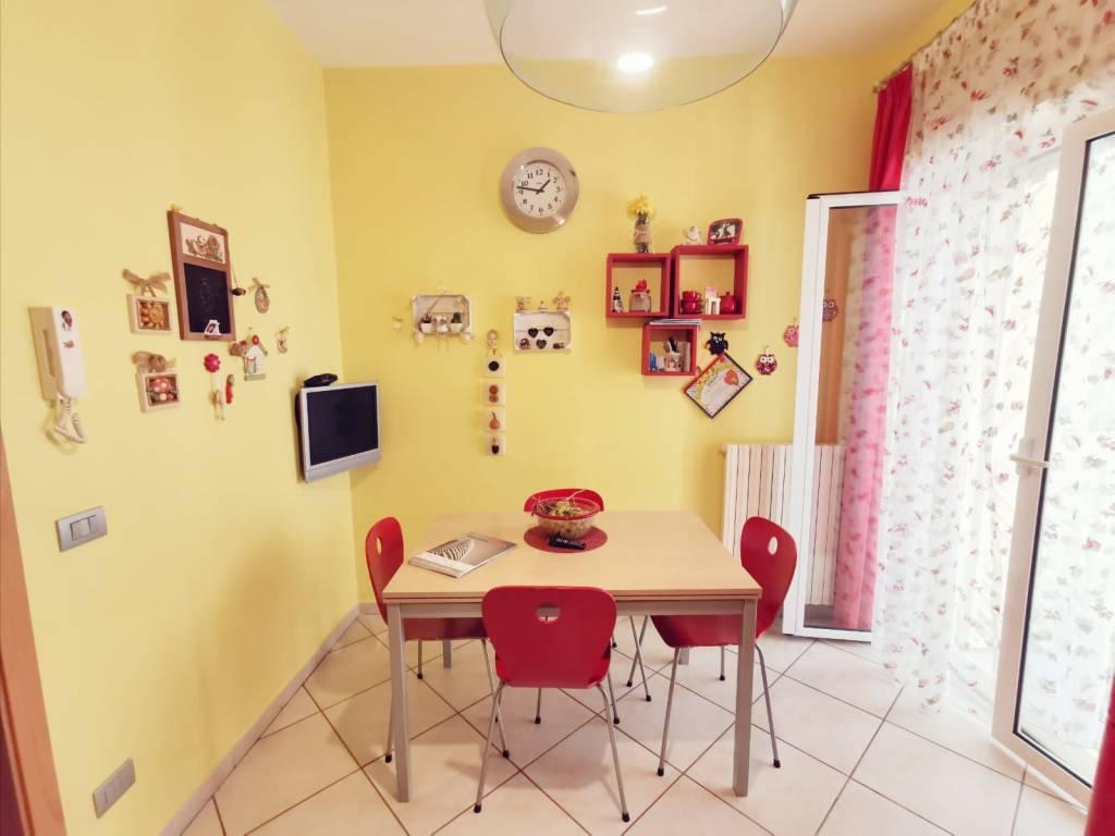 Appartamento in vendita a Valenzano, 3 locali, prezzo € 130.000   CambioCasa.it