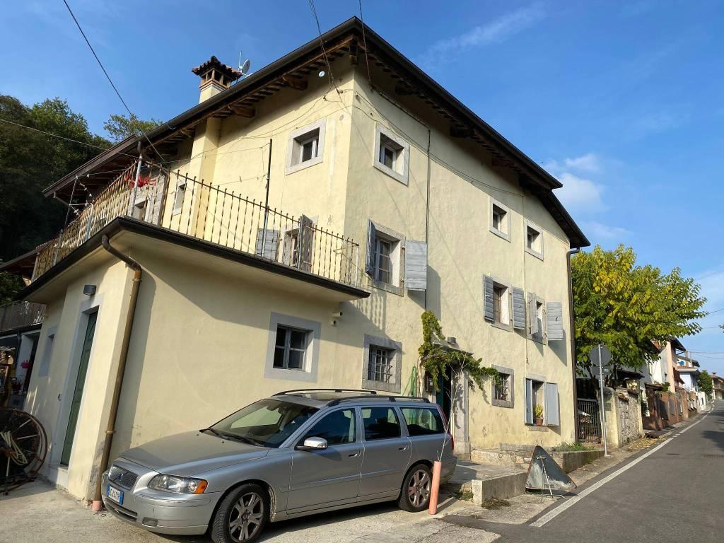 Appartamento in ottime condizioni in vendita Rif. 7594095