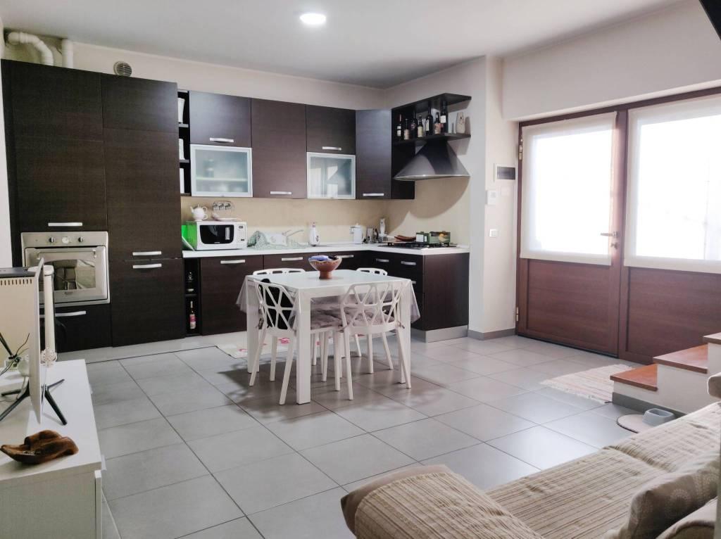 Appartamento in vendita a Albino, 3 locali, prezzo € 110.000   PortaleAgenzieImmobiliari.it