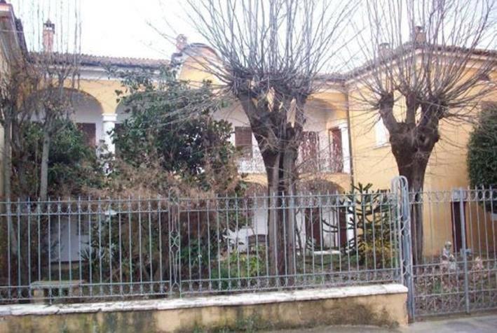 Villa in vendita a San Giorgio Piacentino, 8 locali, prezzo € 820.500 | CambioCasa.it