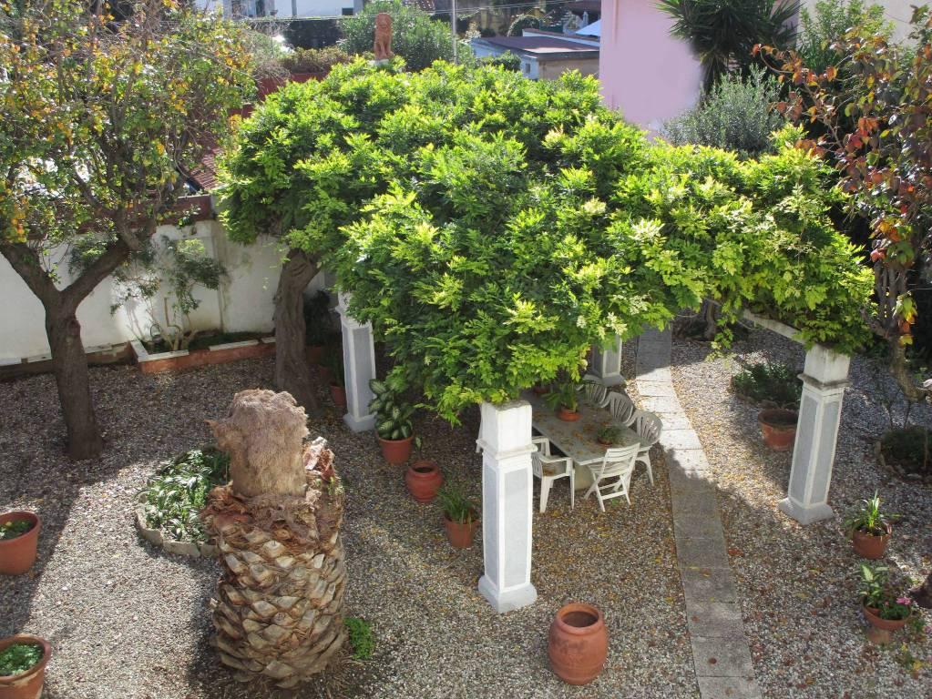 Villa in Vendita a Livorno Semicentro: 5 locali, 465 mq