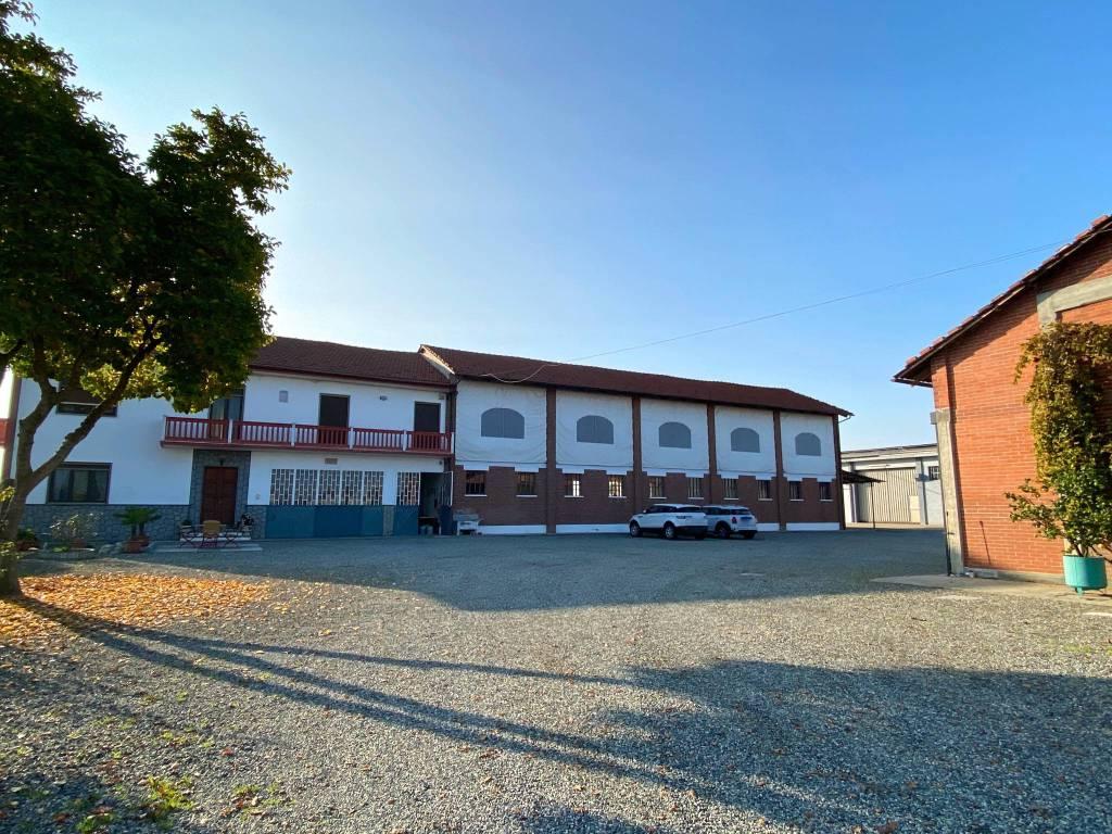 Rustico / Casale in vendita a Caramagna Piemonte, 7 locali, prezzo € 440.000 | CambioCasa.it
