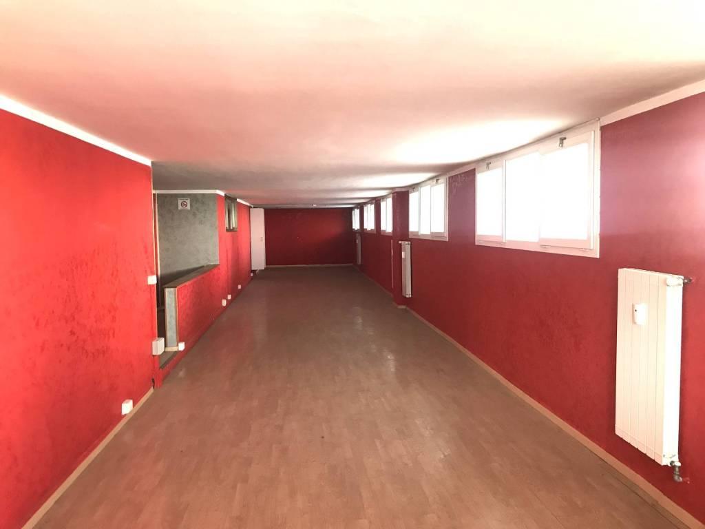 Ufficio / Studio in vendita a Rivoli, 5 locali, prezzo € 135.000   CambioCasa.it