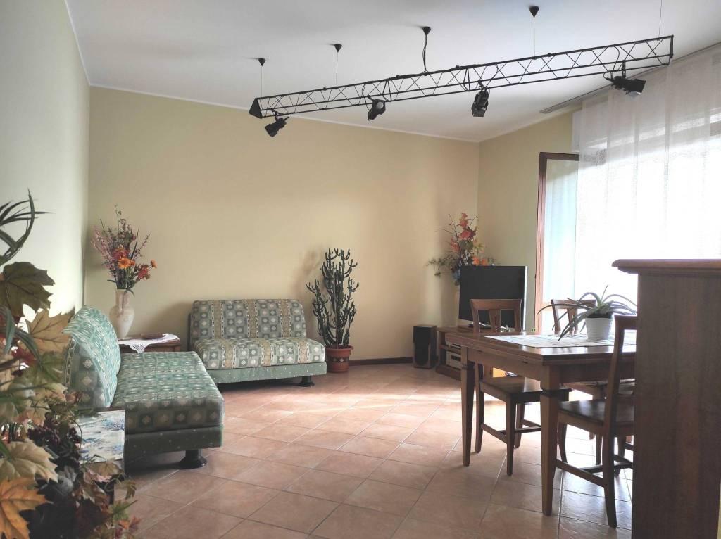 Appartamento in vendita a Grassobbio, 3 locali, prezzo € 128.000   PortaleAgenzieImmobiliari.it