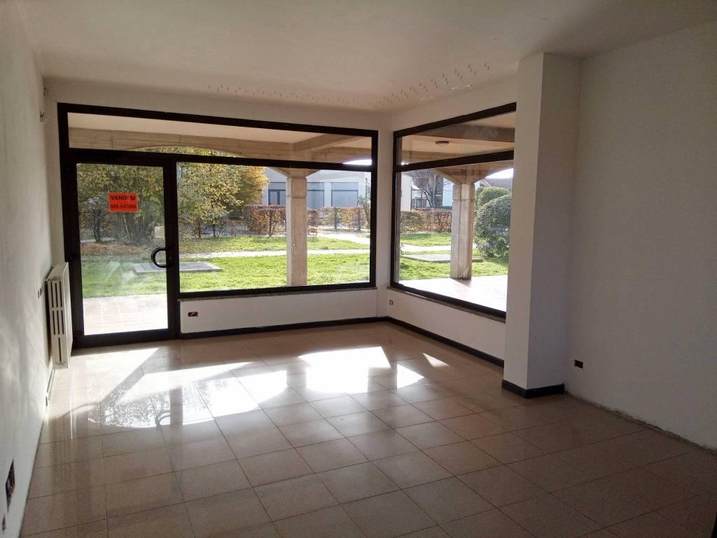 Negozio / Locale in affitto a Paladina, 1 locali, prezzo € 500 | PortaleAgenzieImmobiliari.it
