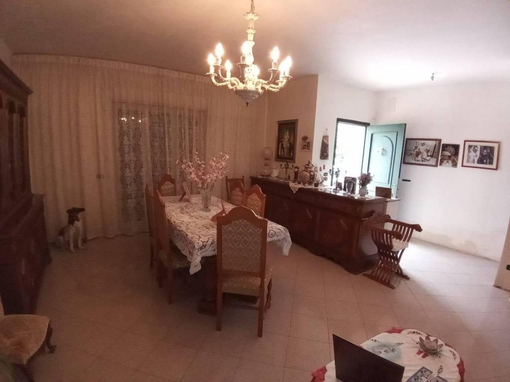 Villa in Vendita a Mascalucia Centro: 4 locali, 110 mq