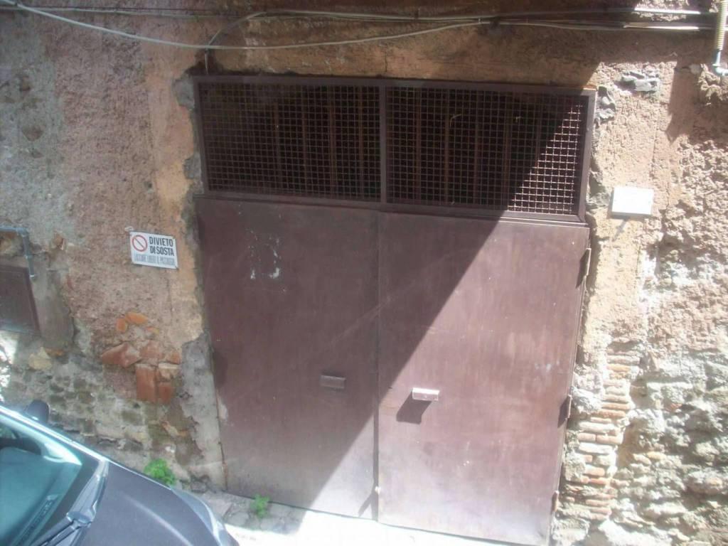Magazzino in affitto a Ariccia, 9999 locali, prezzo € 200 | CambioCasa.it