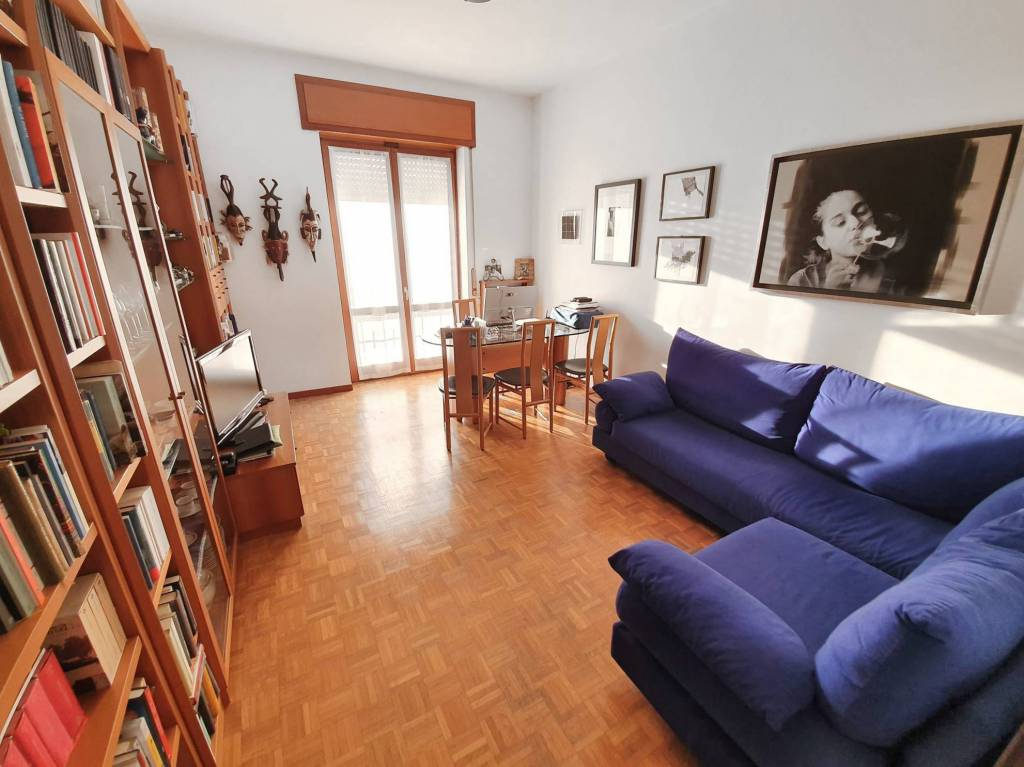 Appartamento in vendita a Lainate, 3 locali, prezzo € 139.000 | CambioCasa.it