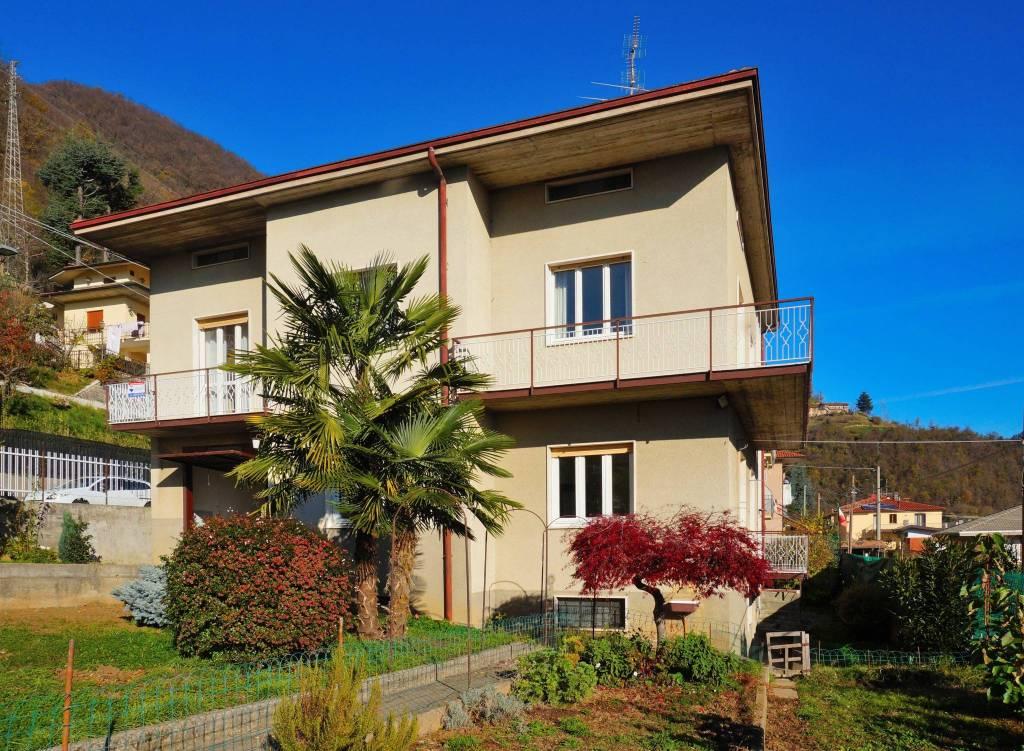 Villa in vendita a Ubiale Clanezzo, 9 locali, prezzo € 235.000 | CambioCasa.it