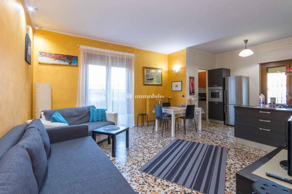 Appartamento in vendita a Grugliasco, 2 locali, prezzo € 83.000 | CambioCasa.it