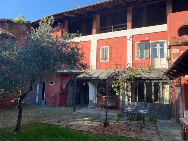 Casa Indipendente in buone condizioni in vendita Rif. 4301359