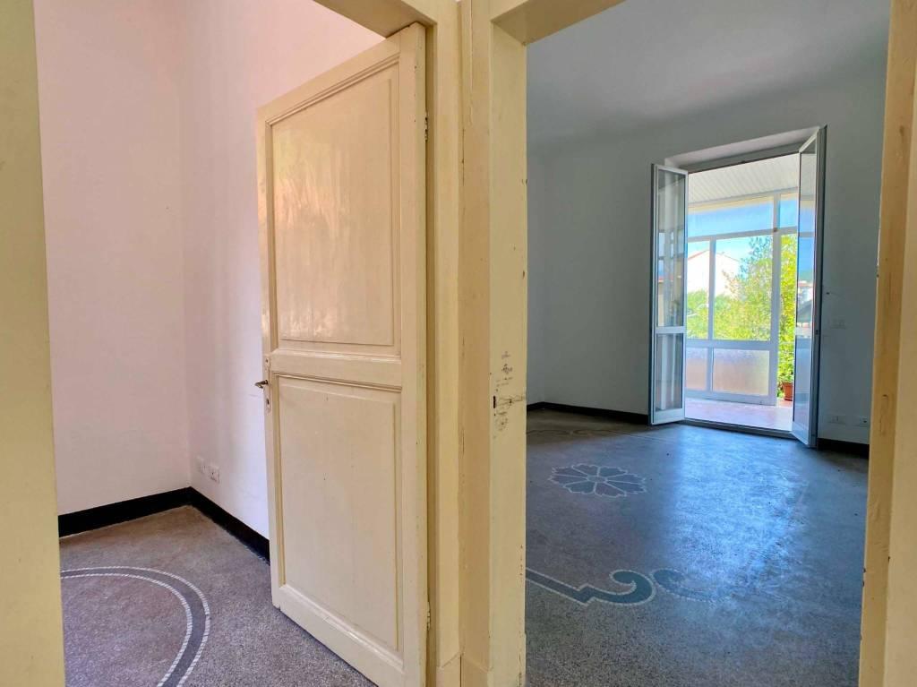 Appartamento in vendita a Vado Ligure, 5 locali, prezzo € 175.000 | PortaleAgenzieImmobiliari.it
